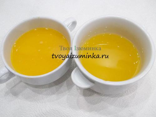 Апельсиновый сок и желатиновый цитрусовый сироп