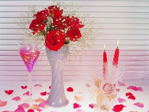 Красочные композиции из живых цветов ко дню Святого Валентина