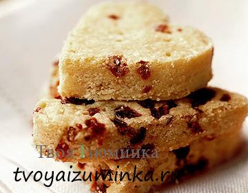 Печенье-сердечки с вишней