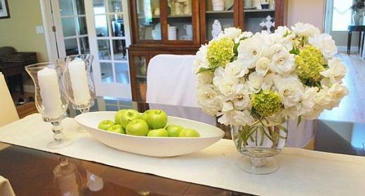 Зеленые яблоки в вазе