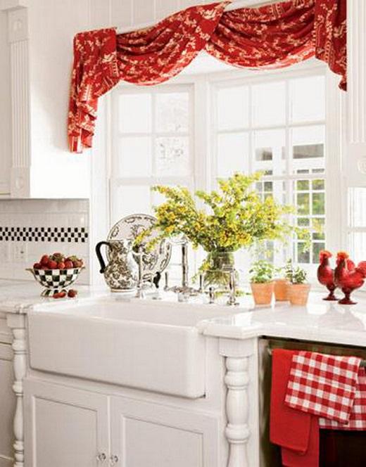 Весенний дизайн кухни - красные шторы