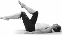 Лягте на спину и ногами выполняйте движения как при езде на велосипеде.