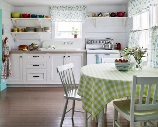 Кухня - весенний декор