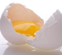 Маска для рук из сырого яичного желтка