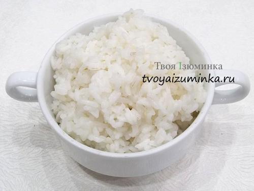 Сваренный до полуготовности рис