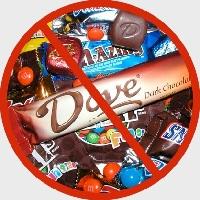 В предменструальный период женщин часто тянет на сладкое