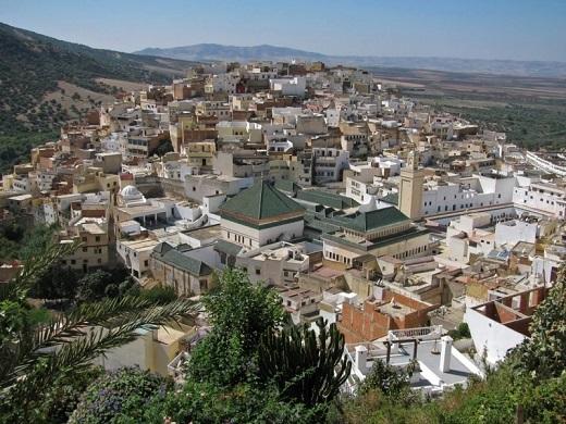 Туры в Фес, Марокко. Мавзолей султана Мулай-Идриса II.