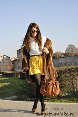 Составляем ансамбли с жёлтой юбкой. Короткая юбка.