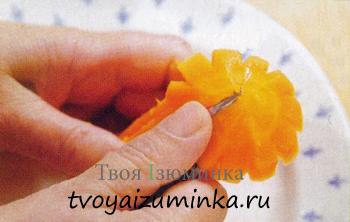 Украшения для стола из овощей - цветы из овощей своими руками. Морковные колокольчики.