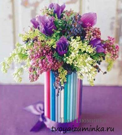Цветы в стакане.