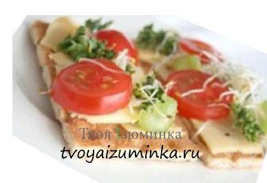 Сэндвич с сыром и зеленью.