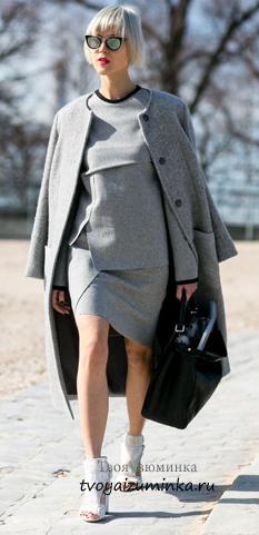 Пальто светло-серого цвета