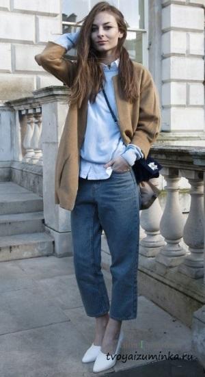 Полупальто с джинсами