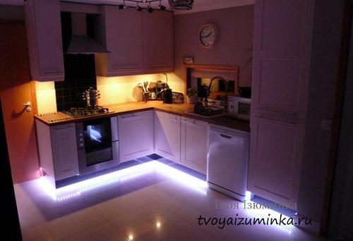 Декоративное световое решение кухни