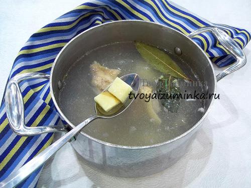 Добавление в бульон картошки