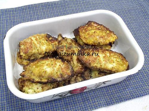 Кабачковые оладьи с курицей