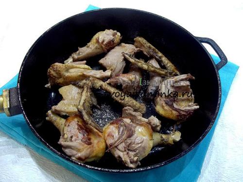 Утка тушеная кусочками с яблоками рецепт пошагово на сковороде