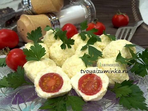 Оригинальная закуска из помидорок черри с сыром и чесноком
