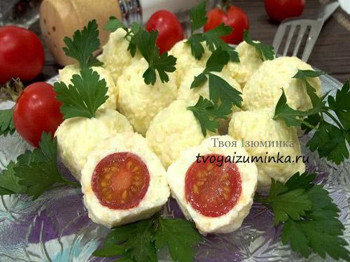 Закуска из помидор черри с сыром и чесноком