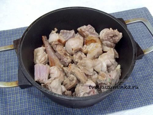 Обжаренное мясо кролика