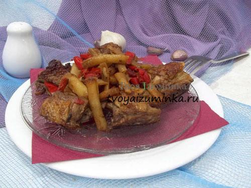 Тушеная курица с замороженными овощами