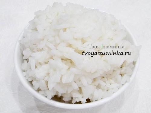 Отваренный до полуготовности рис