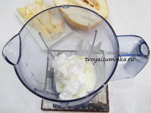 Взбивание кефира с мороженым