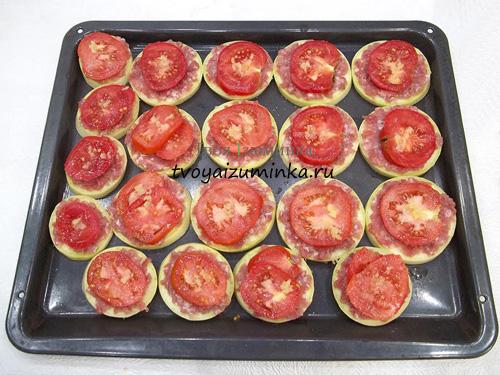 Кружочки помидор на фарше