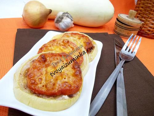 Запеченные кабачки с помидорами фаршем и сыром