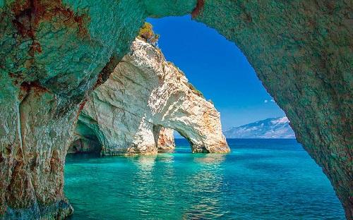 Голубые пещеры Закинфа в Греции