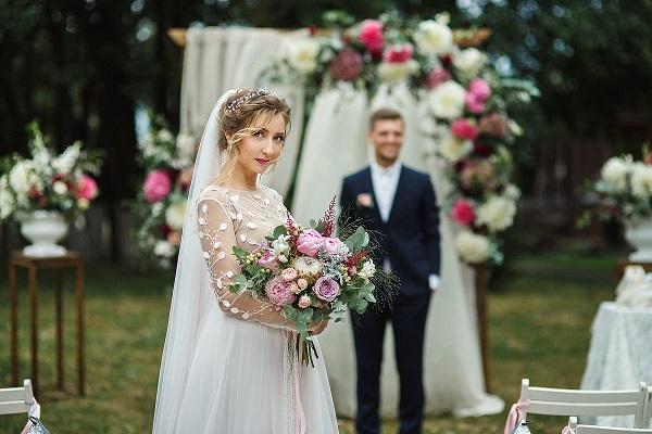 платье и прическа к свадьбе