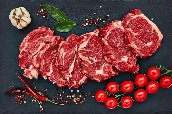 Мясо на кости для стейка