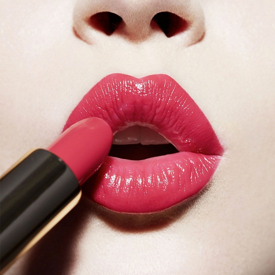 подкрашивание губ