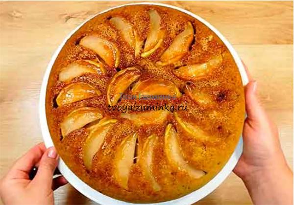 Шарлотка с яблоками на сметане: простые рецепты пышной шарлотки